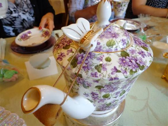 Tea drip catcher